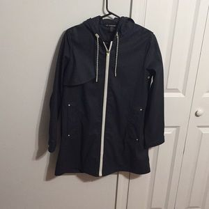 Zara raincoat (sz xs) new with out tag